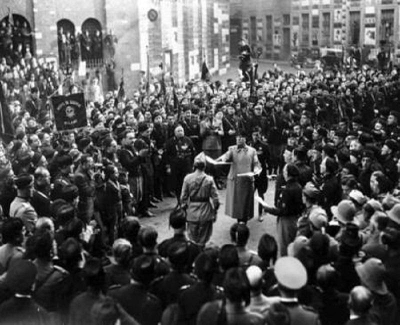 Piazza_san_sepolcro_1919.jpg